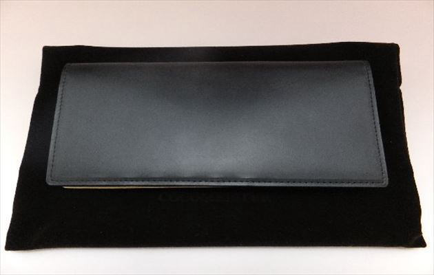 漆黒のコードバン長財布