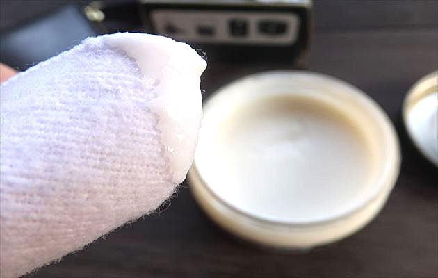 クリームは、米粒一粒大