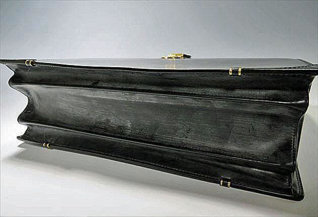 ブライドルダレスバッグぼ底部分