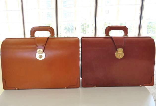ブライドルダレスバッグのロンドンキャメルとヘーゼルを並べておいてみた写真