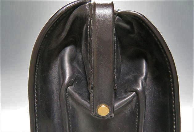 ブライドルダレスバッグ真横からのドアップ写真
