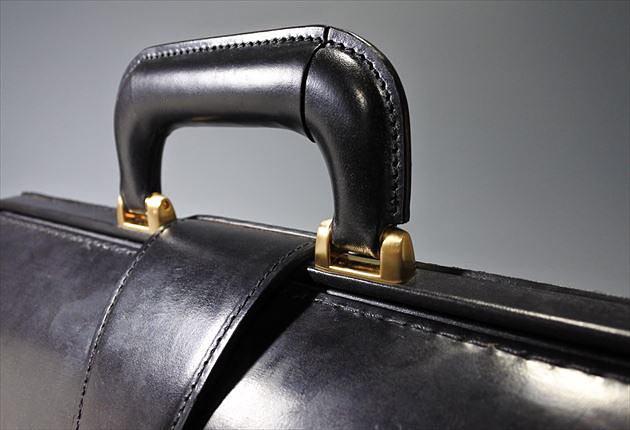 ブライドルダレスバッグの縫製はきちんとできているかチェック写真