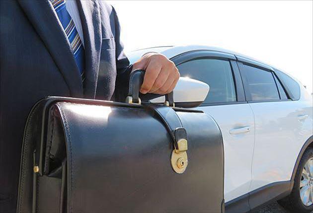 ブライドルダレスバッグの携行は車が おすすめ