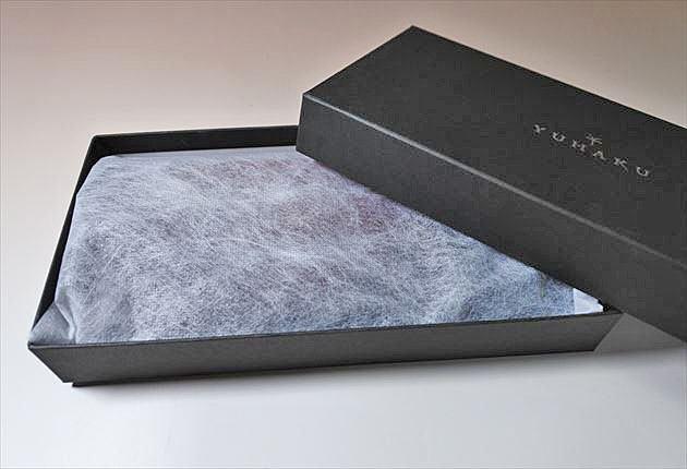 YUHAKU財布を開封した写真