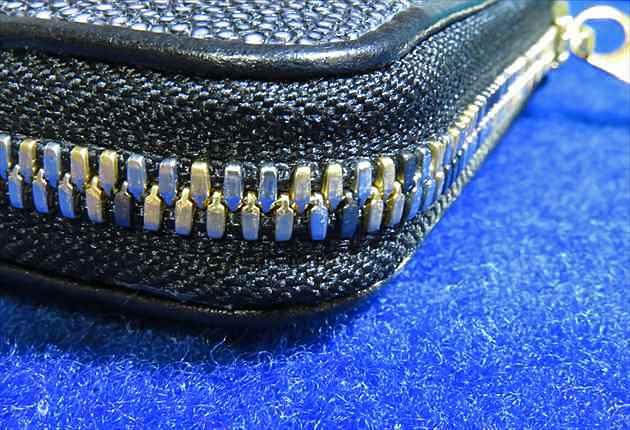 ガルーシャ 長財布ラウンドファスナー ポリッシュ ブラック(pwz001-blk)のファスナー部分の写真