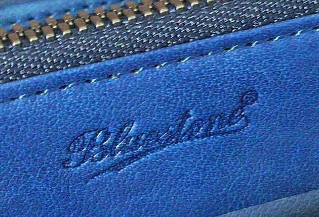 財布内装のBlustoneのロゴ