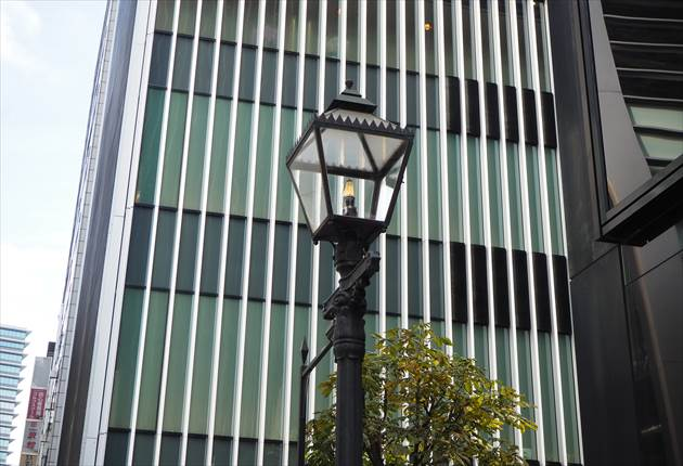 銀座3丁目ガス灯どおり